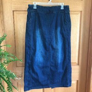 Christopher and Banks size 6 jean denim skirt